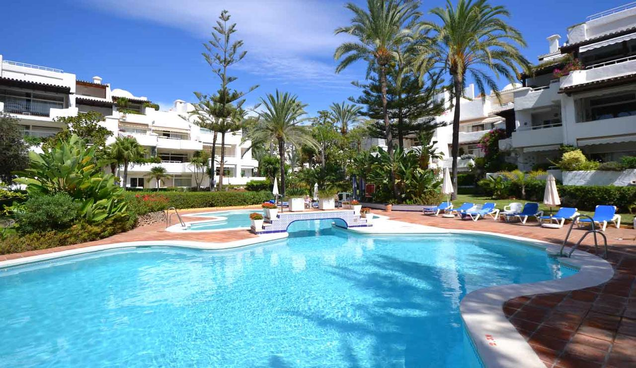 apartment penthouse alhambra del mar golden mile marbella