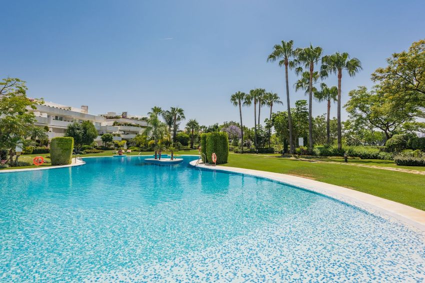 Los Granados Puerto Banús Properties Apartments Penthouses For Sale